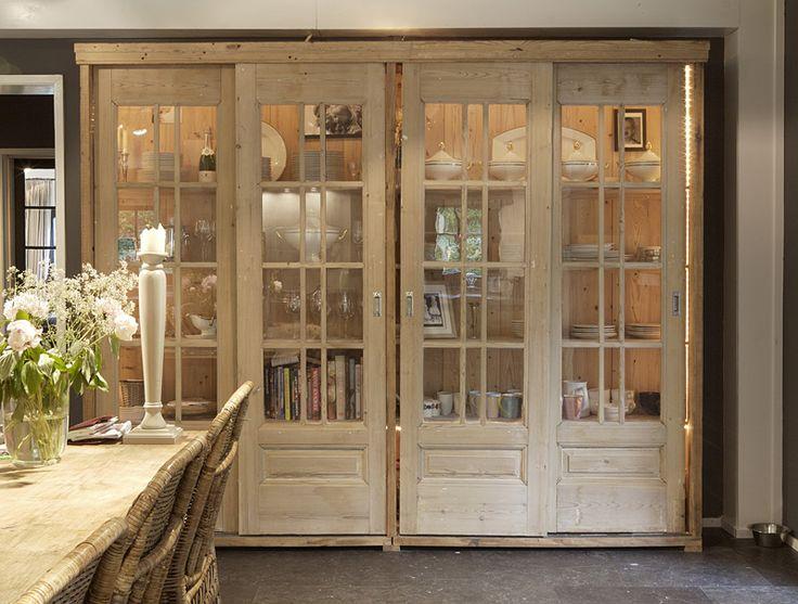 kast van glasdeuren en oud hout    oude bouwmaterialen bij jan van ijken eemnes    www.oudebouwmaterialen.nl