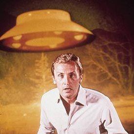 LES ENVAHISSEURS , David Vincent 43 épisodes de 48 minutes 10 janvier 1967-26 mars 1968