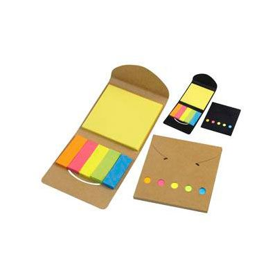 Porta post-it ecológico de cartón reciclado.  Incluye 1 taco post- it de 25 hojas de 7,5 x 7,5 cm. + 5 tacos de 25 banderitas post-it de 5 x 1,5 cm.