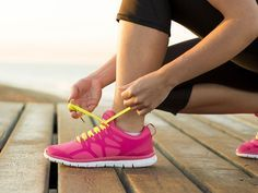 Könnte deine Haltung beim Laufen aufrechter sein und schlurfen die Füße zu sehr am Boden? Richtig laufen ist mit unseren Übungen kein Problem mehr.