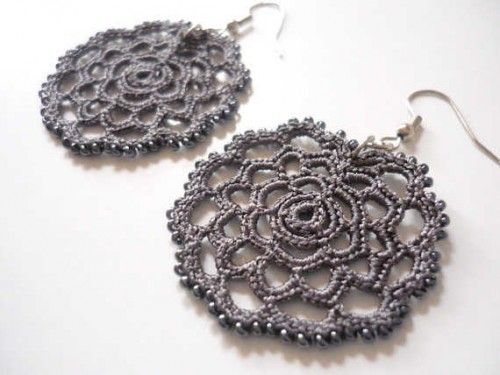 crochet earrings patterns free   crochet earrings1 500x375 Etsy Crochet: Dark Grey Earrings