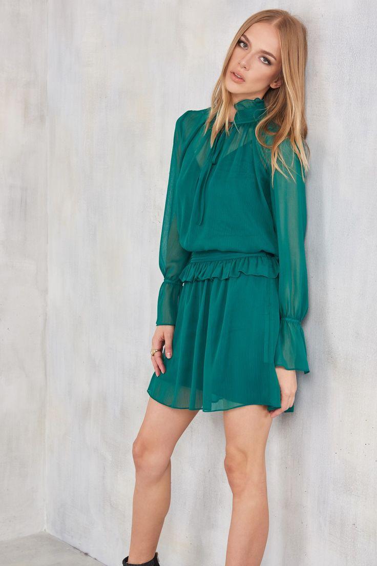 TRENDYOLMİLLA Zümrüt Yeşili Fırfırlı Elbise