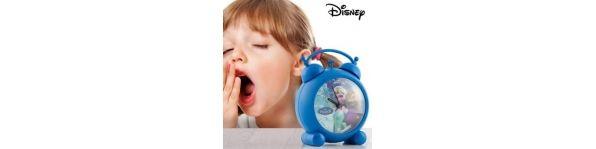 Si te quedas dormido para ir a trabajar es porque no tienes un despertador o simplemente un reloj. Relojes inteligentes para smartphones y relojes de pared, despertadores con proyector