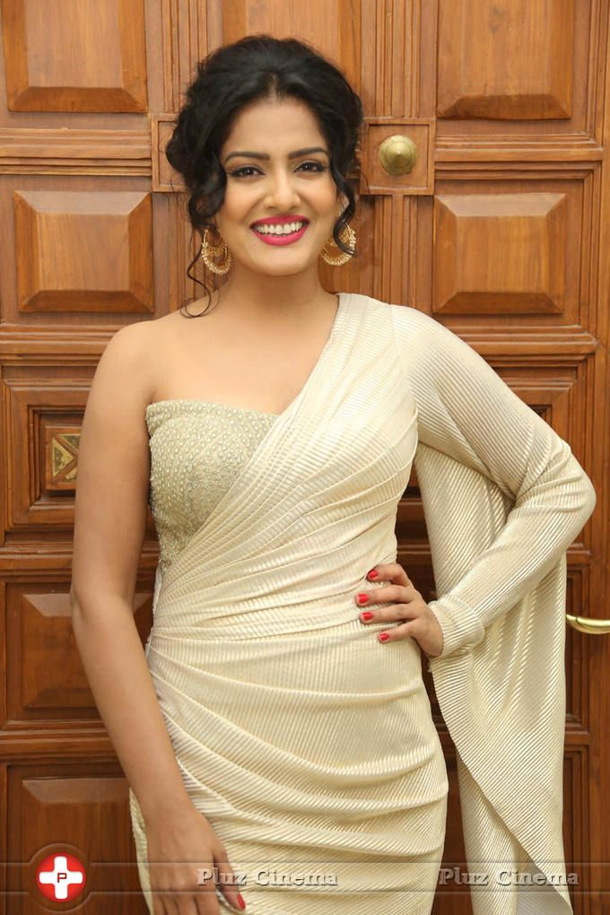 Picture 826828 | Vishakha Singh Hot Gallery Pictures Actress
