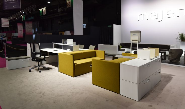 Working Hybride by Majencia, avec notre solution d'assises Softwork et rangements Oxo