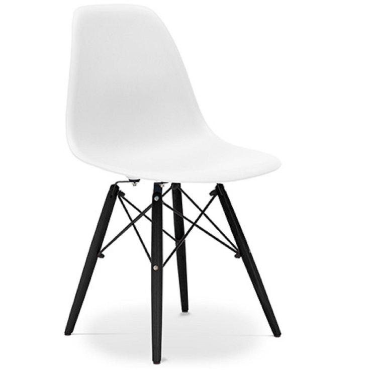 Cette chaise de couleur blanc de la collection Bristol est inspirée du design original, elle est formée d'un siège en polypropylène mat, des pieds en bois d'Hêtre noir et d'une structure en acier inoxydable.  General H 83 x L 46 x P 53 cm Siège H 44 x P 44 cm Dossier H 42 cm Poids4Kg  Cette chaise avec son piétement noir est très confortable et durable. Vous pouvez l'utiliser comme chaise de salle à manger, dans le bureau ou dans une salle d'attente.