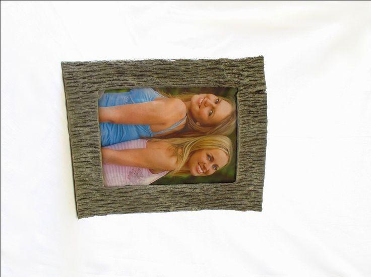 """Cornice da tavolo e da parete, portafoto effetto corteccia, per foto 15x21cm/6x8"""", oggetto di ecodesign, realizzata a mano in cartapesta di FioreLunaEcoDeco su Etsy"""