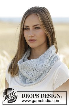Spring Bound - Knitted neck warmer with lace pattern in DROPS Air. Free knitted pattern DROPS 178-54