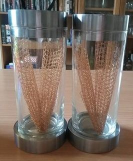 Candlesticks decorated with gold net.