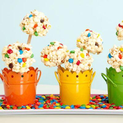 Popcorn Marshmallow Pops #recipe for kids