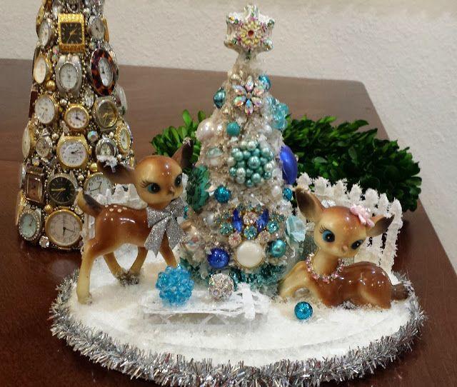 Ms Bingles Vintage Christmas: Vintage Clock Christmas Tree...WOW
