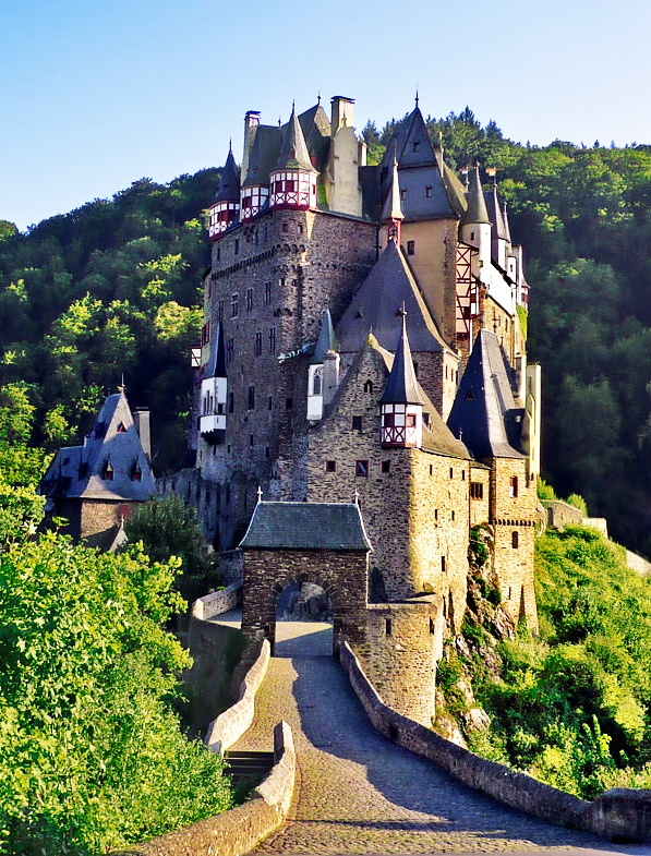 Eltz Castle, Münstermaifeld, Germany: