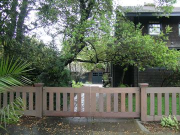 Good fence for a bungalow? Not TOO obtrusive?