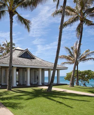 Turtle Bay, Oahu, Hawaii is a peaceful and beautiful wedding location.