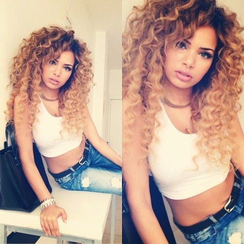 Love her curly hair