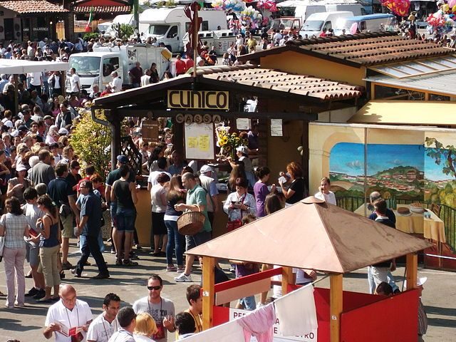 "On September 28, 2014... Old vintage parties will be waiting for you right here in #Italy. City ""Canelli, the city of wine"", will be hosting the wine festival."