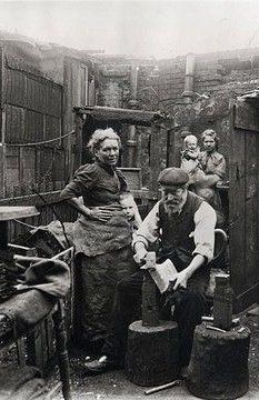 old east end in the 19th century | 17 / 30 · Backyard blacksmith making shovels in London's east end ... Pinned from theworkhome.com