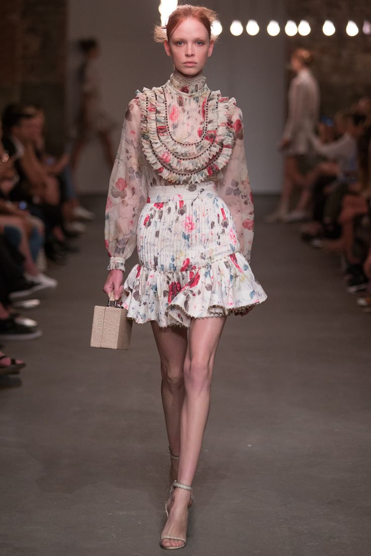 Zimmermann Spring 2016 Ready-to-Wear Collection Photos - Vogue   http://www.vogue.com/fashion-shows/spring-2016-ready-to-wear/zimmermann/slideshow/collection#12