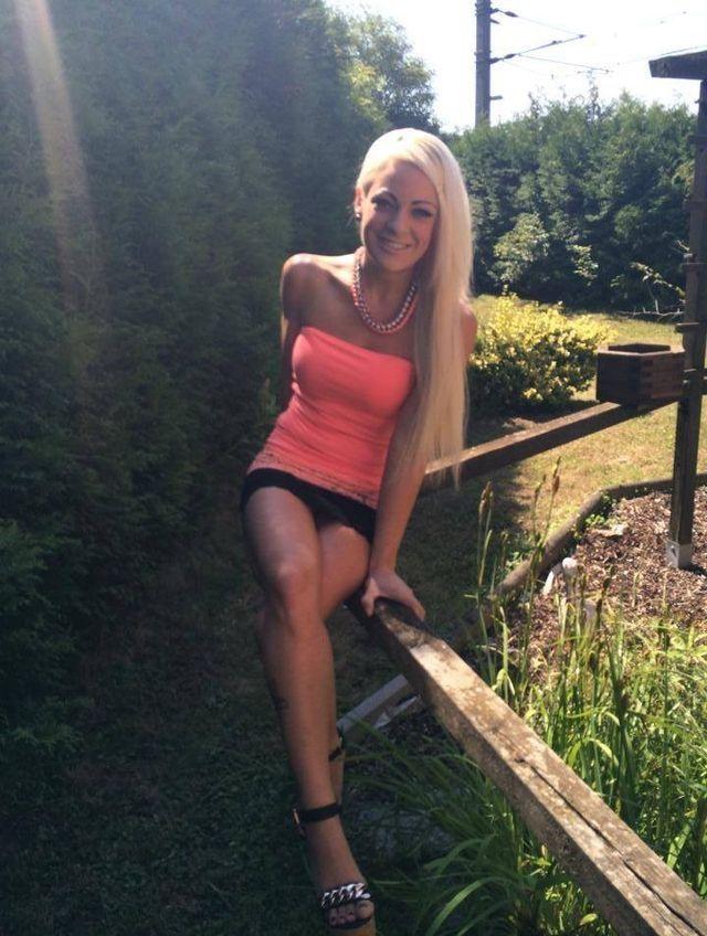 Hot Girl With Sexy Legs In Fun Top  Flirtatious Short -5495