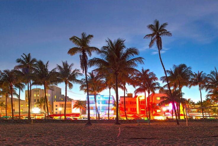 Miami is de ideale vakantiebestemming. Je hebt er zee en strand, en het is er het hele jaar heerlijk warm. Maar Miami is tegelijkertijd een moderne metropool vol gezellige wijkjes, grootse winkelcentra en de hipste clubs en restaurants.