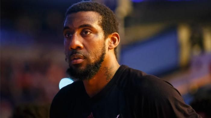 Amare Stoudemire says he would avoid gay teammate