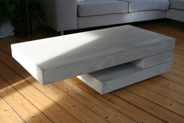 **Eigenschaften** Die lebendige Oberfläche eines jeden Tisches zeichnet sich durch leichte Verfärbungen, Bläschen und Kerben aus und macht ihn dadurch von seiner Beschaffenheit zu einem...