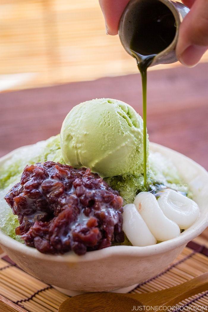 Green Tea Shaved Ice (Ujikintoki) 宇治金時かき氷 | Easy Japanese Recipes at JustOneCookbook.com 今すぐ食べたいっ Wanna eat it right now!