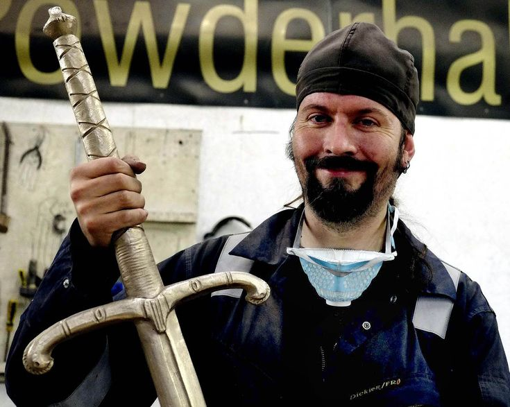 A REMEMBRANCE Sunday service in Fife will see the unveiling of a full-size bronze replica of the sword used by Robert the Bruce.