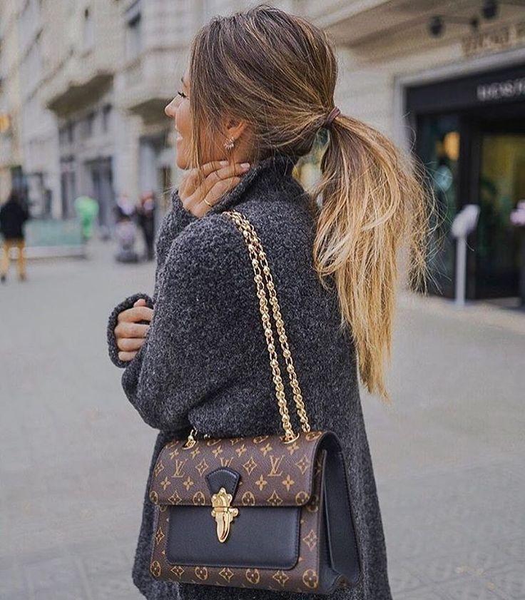 Taschen Louis Vuitton LV schwarzes Logo