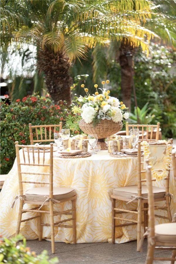Sweet yellow #weddings #tablescape #alfresco #yellow