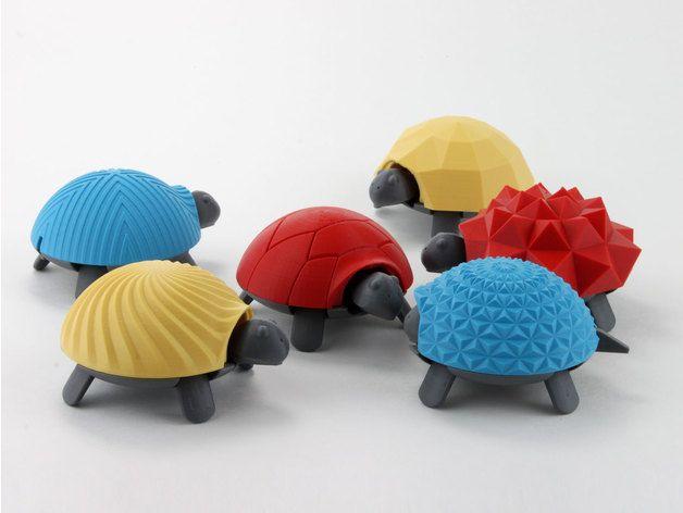 Tortuga con caparazones intercambiables hecha en 3D