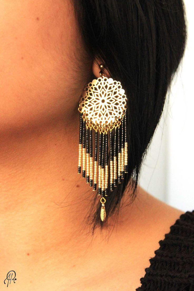 Boucles d'oreille Rubambelle Dreamcatcher Black réalisées à la main en plaqué Or. À shopper sur www.rubambelle.tictail.com