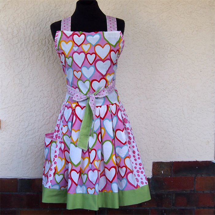 "***EG***. ""Love Struck"" retro apron | Anne's Aprons & Baby Bibs | madeit.com.au"