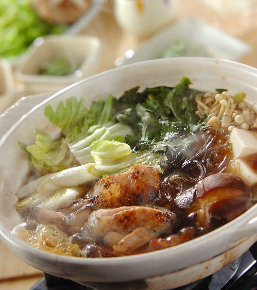 「炙り鶏ちり鍋」の献立・レシピ - 【E・レシピ】料理のプロが作る簡単レシピ/2014.02.12公開の献立です。