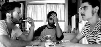 """Scopri su Primoitalia """"The Pills"""", una web series italiana che racconta, attraverso gli occhi di quattro amici romani, in chiave comica, politicamente scorretta ed irriverente, la dura realtà della vita universitaria ai tempi della crisi. Donne, sesso, amicizia i temi principali (ri)letti attraverso una prospettiva più leggera e spensierata. """"The Pills"""" è su Primoitalia nella sezione La 3 Tv. Quando vuoi tu, dove vuoi tu!"""