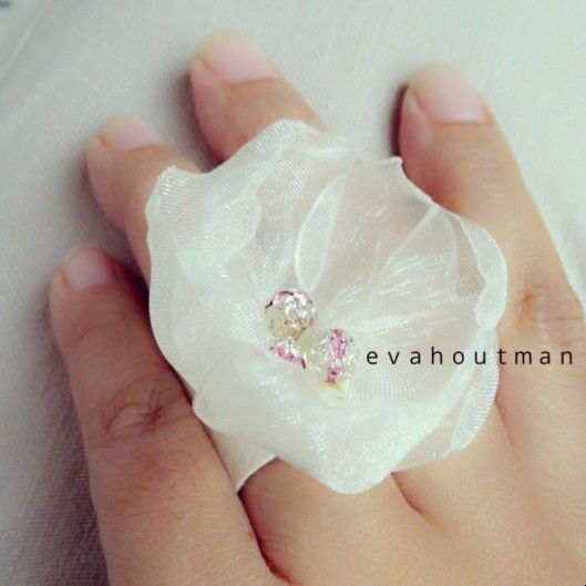 #handmade #flower #romantic #ribbon #ring #cute #art #craft #DIY #hastakarya #prakarya #crystal #cincin #beads #fashion #newproject #evahoutman #creativity #cantik #accessories #hijabers #girls #teen #weddingrings #white