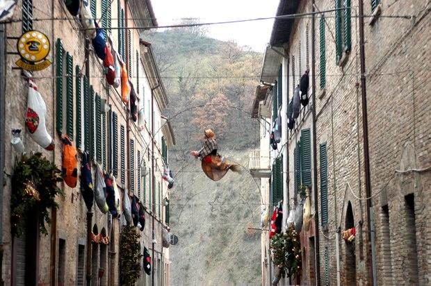 La festa della Befana di Urbania (PU), una delle più importanti d'Italia