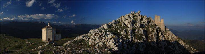 Rocca Calascio in provincia de L'Aquila. #abruzzo