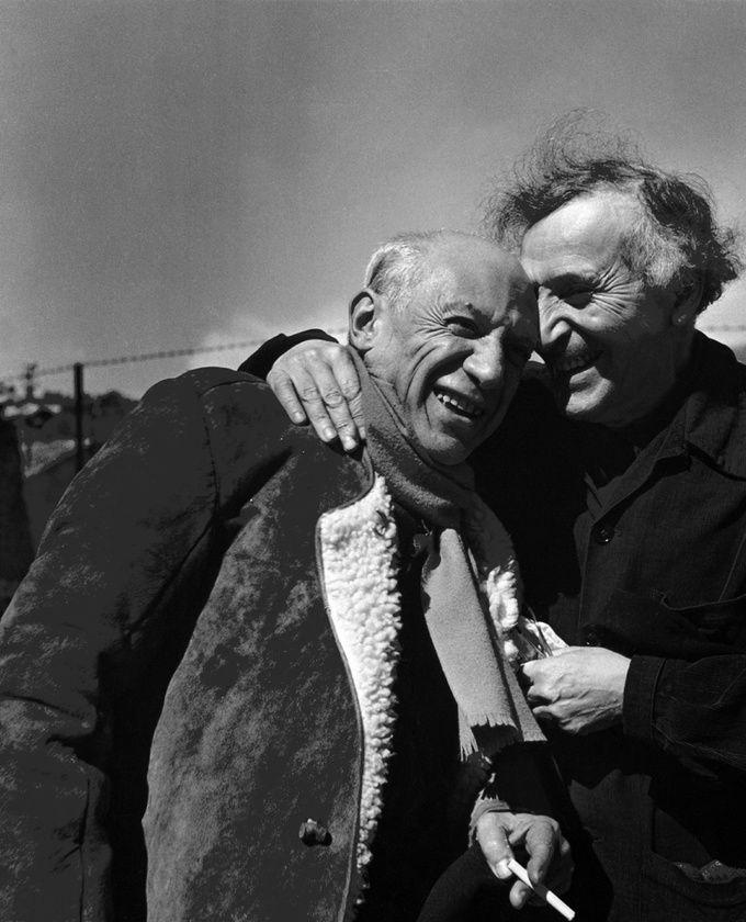 Marc Chagall et son ami Pablo Picasso en Provence, 1955.