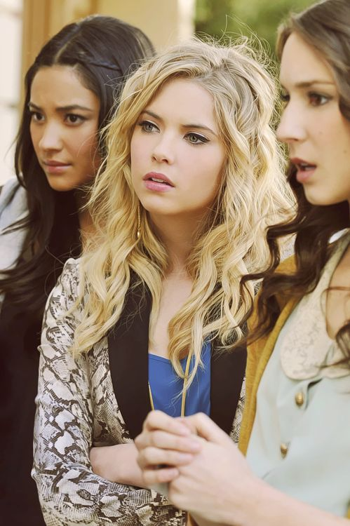 Pretty Little Liars + Shay Mitchell + Ashley Benson + Troian Bellisario + Emily Fields + Hanna Marin + Spencer Hastings