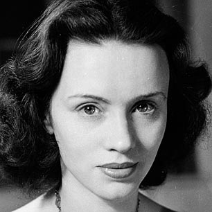 Jessica Tandy, gorgeous in age and in youth! Amazing actress!