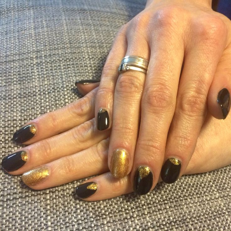 Gold&black nails shellac manicure