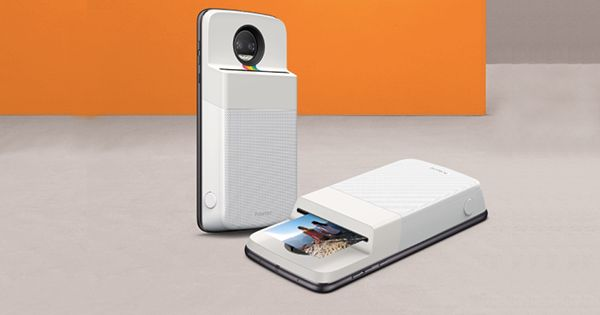 Important: Motorola Just Introduced a Polaroid Printer That Snaps onto the Back of Your Phone via @PureWow