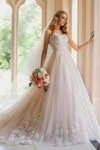 New Beginnings: Our Favourite 2014 Stella York Wedding Gowns