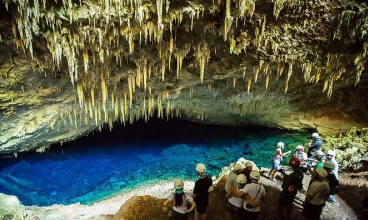 Gruta do Lago Azul em Bonito, MS lugares tranquilos ano novo