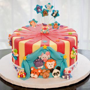Under the Big Top - Fondant Cake Decorating Kit @Ella Vanilla
