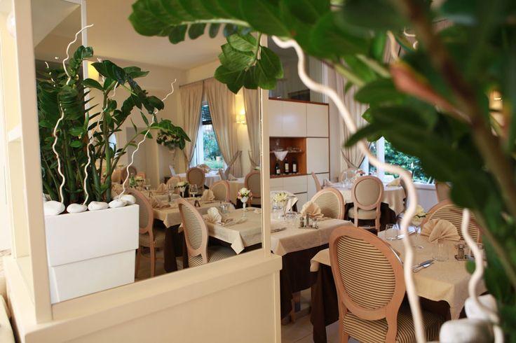 http://dreameat.it/it/living/hotel-tirreno