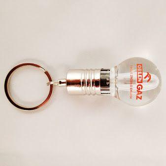Idealny gadżet dla dostawców energii. Pamięć USB w kształcie żarówki. Przeźroczysta, podświetlana bańka. http://elektronika-reklamowa.eu/pl/nietypowy/481-pendrive-zarowka-metalowo-krysztalowy-pul325.html #elektronikareklamowa #zlogo #pendrive #reklamowy