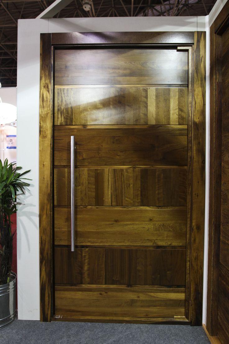 Porta especial de entrada - Madeira - Alto Padrão - Exposta na Feicon Batimat  www.portalmad.com.br