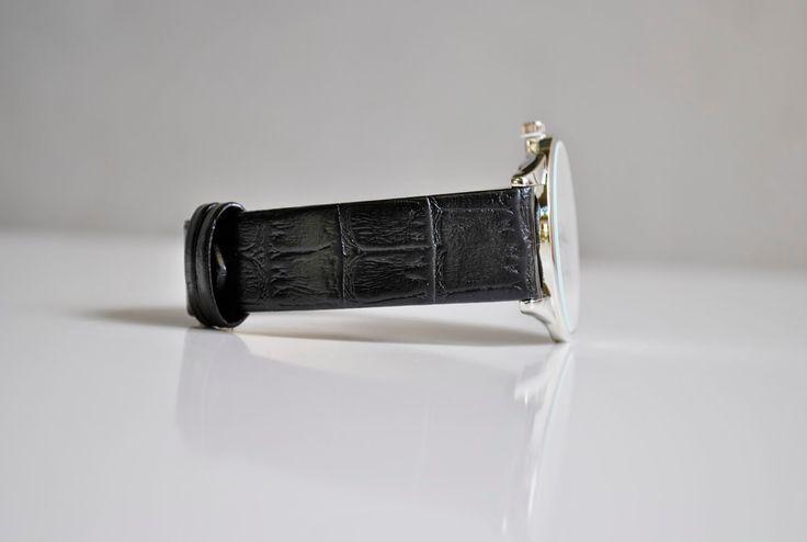 Vrei un cadou special pentru o persoana din viata ta? Nimic nu poate exprima aprecierea ta mai mult decat un accesoriu lucrat pe comanda. O curea de ceas din piele sau un portofel barbatesc lucrate cu maiestrie in Romania http://bit.ly/cureleceas